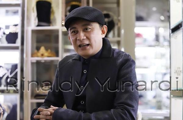 Biodata Rinaldy Yunardi, Desainer Indonesia